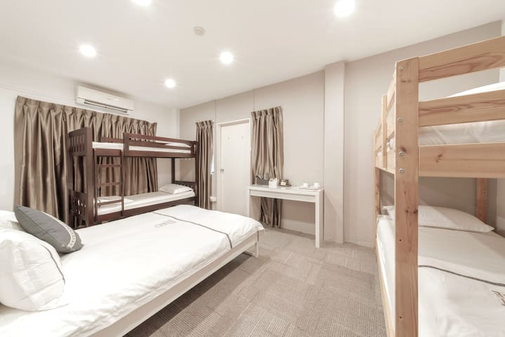 Big Family Room for 6 @ NUH SENTOSA VIVOCITY (203)
