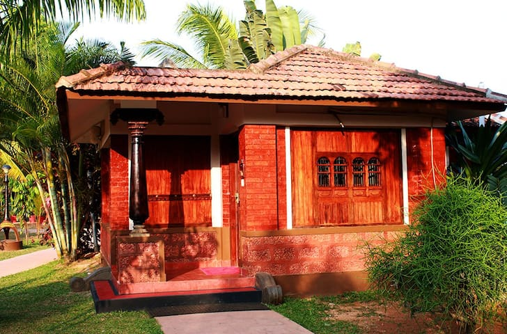 Luxury Sunrise Villas with Backwater veiw - Vypin