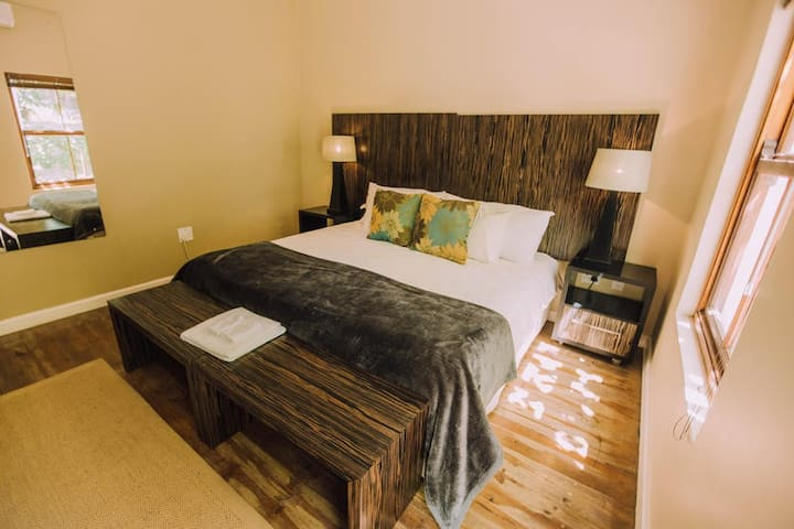 Superior King/Twin Room with Shower
