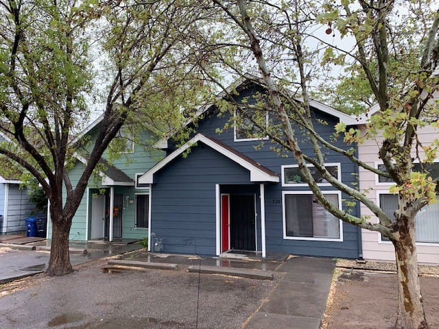 3BR Town House *OldTown*Zoo*Rio Grande River Trail
