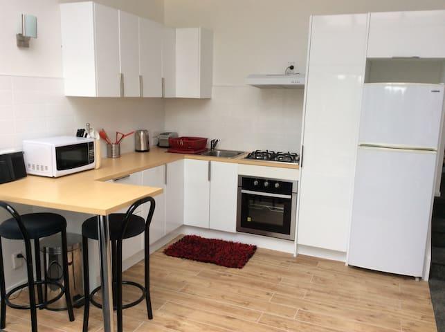 Lochnorrie Lodge 2 bed - Helensville - Apartamento