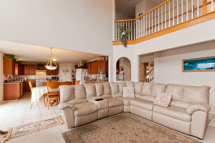Luxury Private Room with Full House Access - Macomb - Huis