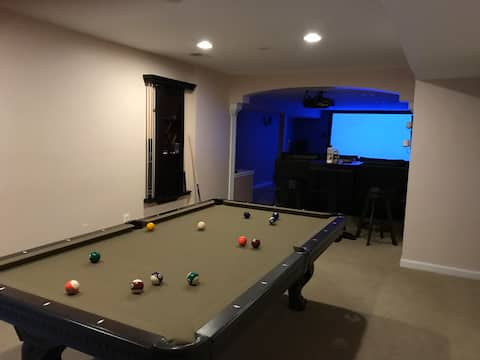 2 Bedroom Basement Apartment with Kitchenette