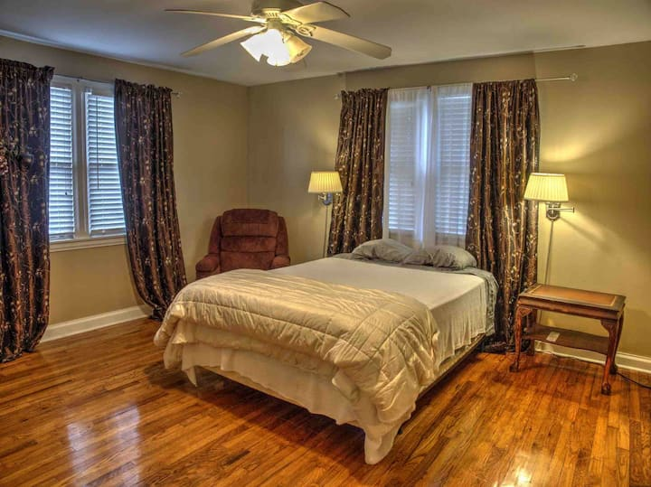 Comfortable Home In New Orleans (Metairie).