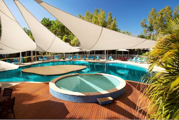 Stylish 2 Bedroom Apartment at Cable Beach