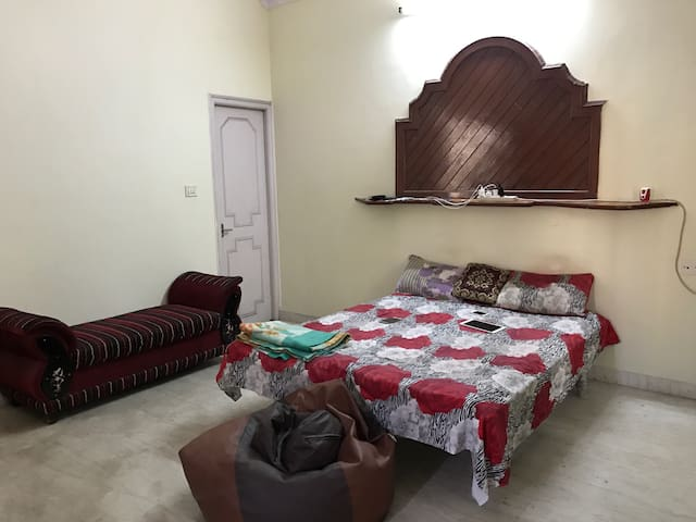 Beautiful & posh Location Bangalore - Bengaluru - House