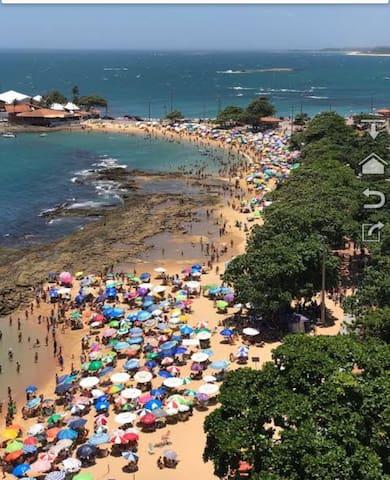 Praia das Castanheiras, no centro.