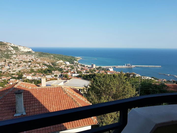 2 rooms appartment with beautiful view on the sea!