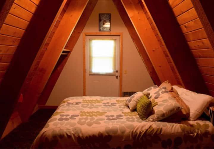 Tamarack 3 Bears Inn - Black Bear Room