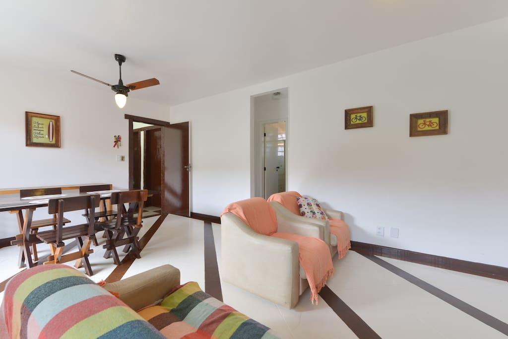 Sala em 2 ambientes (1o andar)