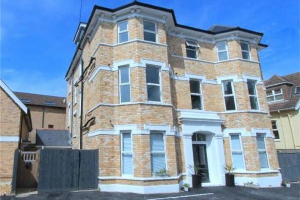 40 Tregonwell Road - Bournemouth BH2 5NT - Apartment 6