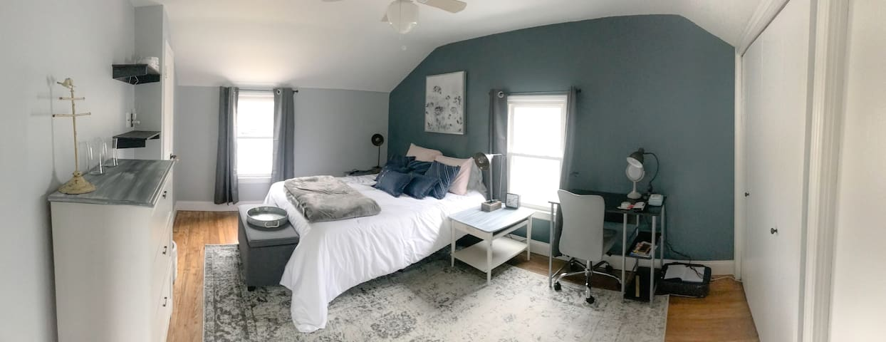 Blue Room- Bedroom #1 Queen bed (& space for pack&play, toddler airbed)
