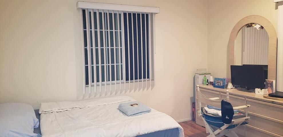 Oasis Home Room 2