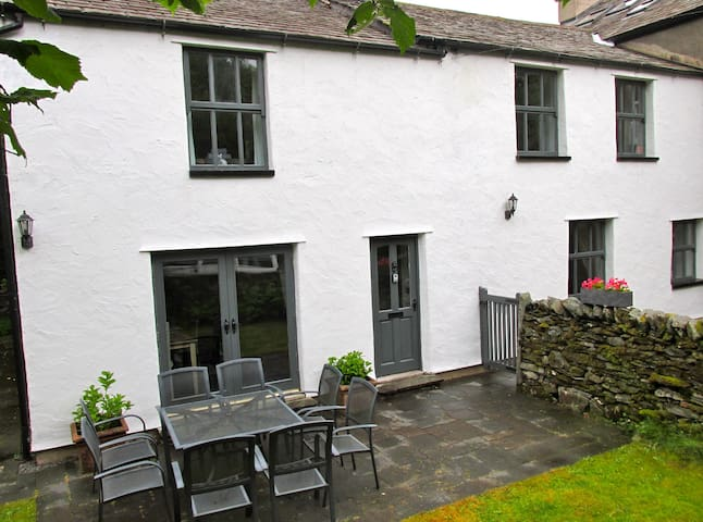 Oakbank Cottage in the Lake District