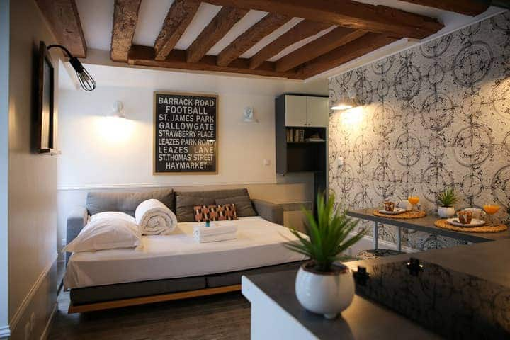 The Lovely Flat , Cocooning in the Old Paris