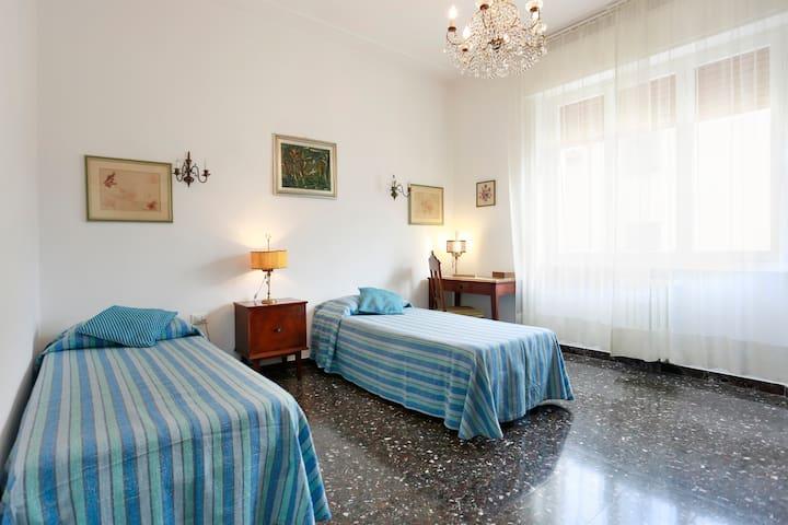 A casa di Luca brigth and welcoming - Florenz - Wohnung
