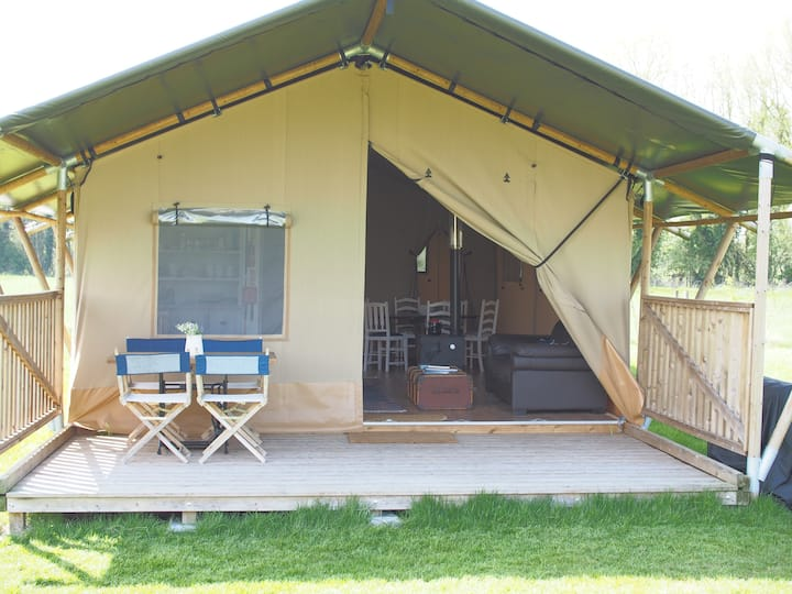 2. Glamping Lodges in Idyllic countryside, Wilts
