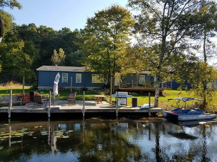 Serene sports lake home.