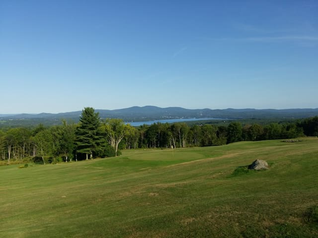 Steele Hill resort 1 bedroom East Thanksgiving wk - Sanbornton - Osakehuoneisto