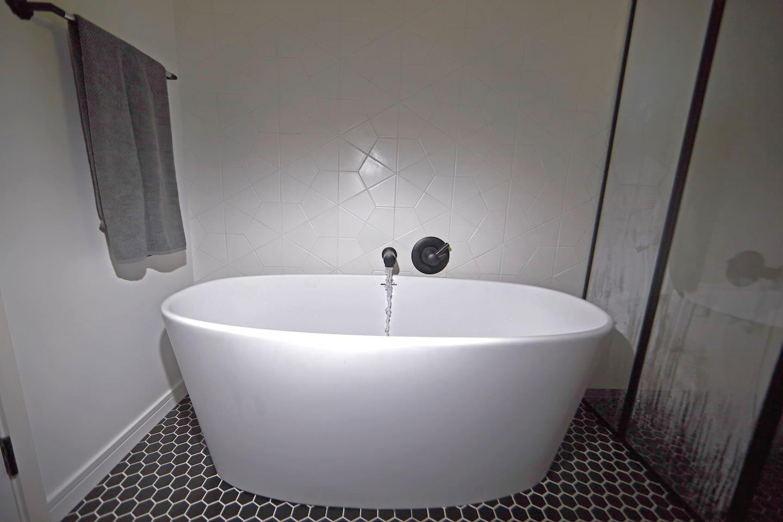 Guest bath with deep soaking tub