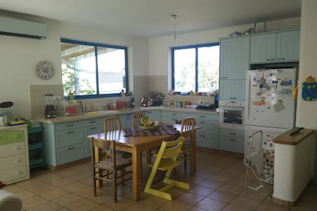 Family House in The Hula Valley - Lehavot HaBashan - Casa