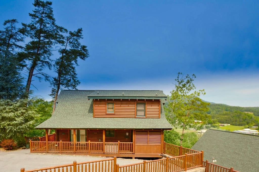 Welcome to Smoky Mountain Haven with Mountain Views off of back balconies!