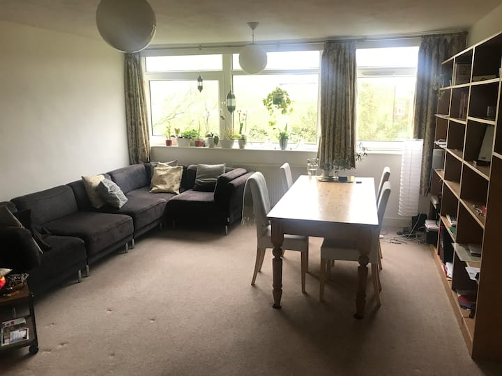 Kew Garden flat for a single person stay