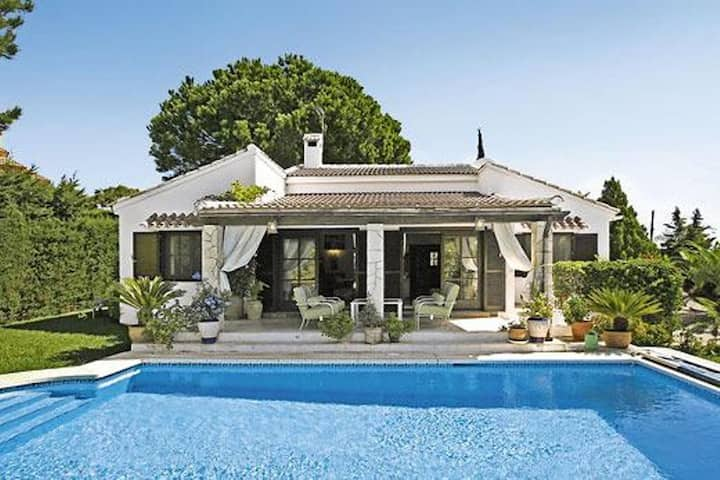 Casa Cumbre - 3 Bedroom Holiday Villa