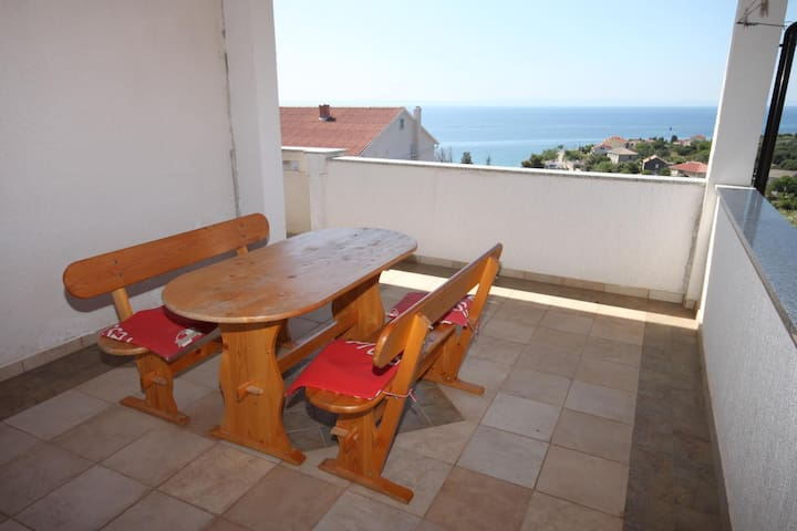 Two bedroom apartment with terrace and sea view Lun, Pag (A-6450-b)