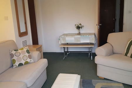 Quiet studio flat Truro Good value! - Truro, England, GB