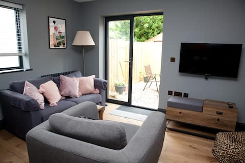 New luxury 2 bed annexe 2 miles from Bath centre
