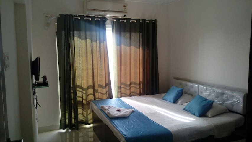 Private Room in Powai next to IIT! Room A