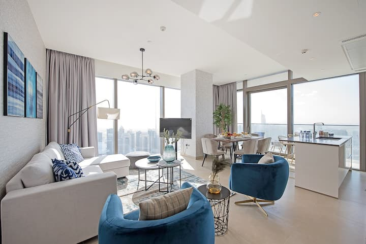 Ultra luxurious 3BDR with Marina and Sea View