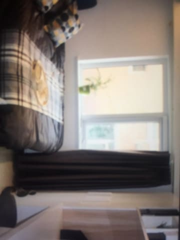 Stanza confortevole - 伊塞尼亚 - Apartamento
