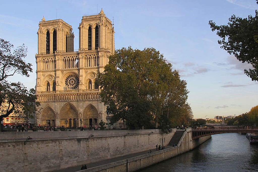 Notre Dame is just a 10 minute stroll from this beautiful apartment!