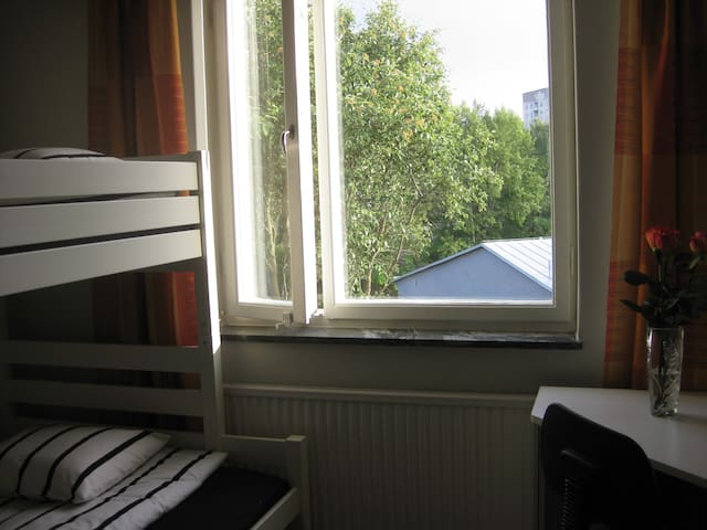 Room for 4people (+2 pers more) 15 min from City - Stockholm - Apartment