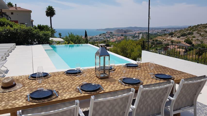 Ibiza Style villa with seaview & infinity pool