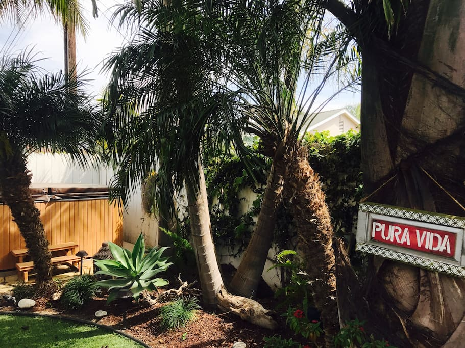 Backyard love. This SPA is ready for you and 7 others. Rest and Relax as the sunsets!