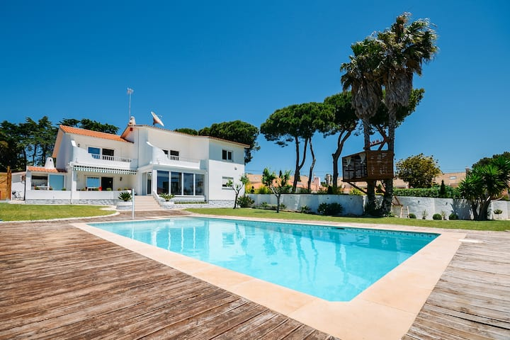 Private villa with 5 suites &swimming pool#Cascais