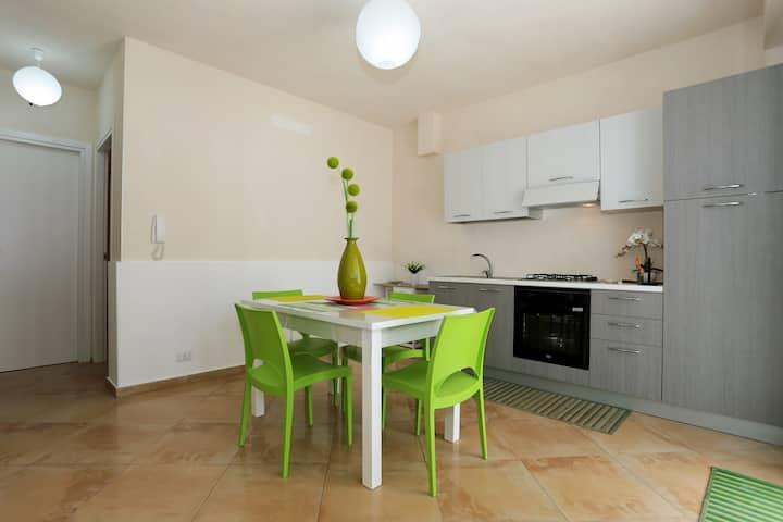 Nuovissimo appartamento a 50m dal mare (Verde)