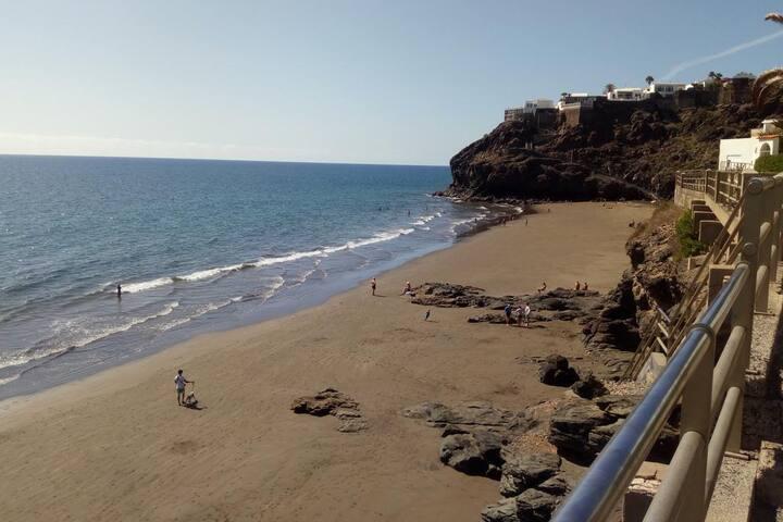 modern quite apartamenr beach front