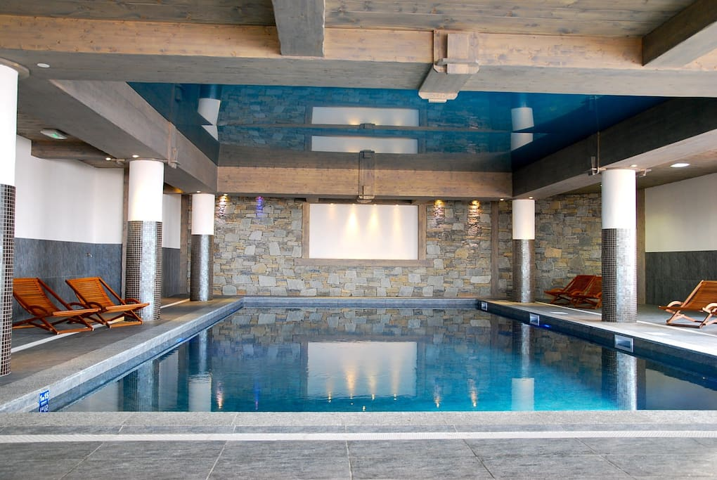 Arc 1800 superbe t3 vue mt blanc piscine garage for Bourg st maurice piscine