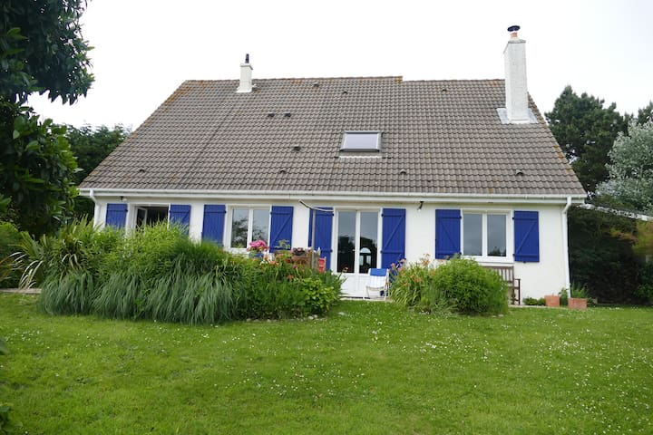 Maison Cauvillaise avec jardin  vue sur mer - Cauville-sur-Mer