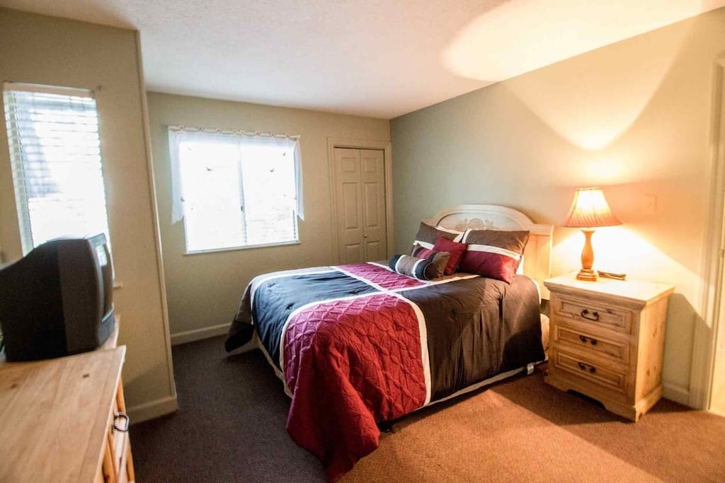 Well appointed bedrooms ensure you and all your guests will stay in comfort!