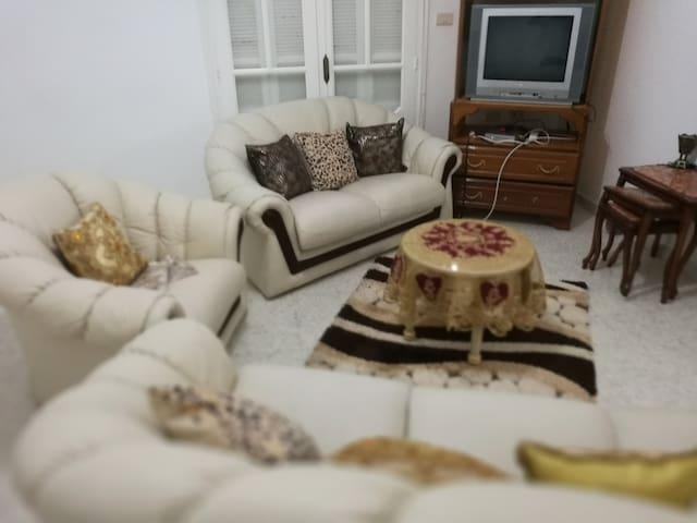 Étage villa meublé près plage kelibia
