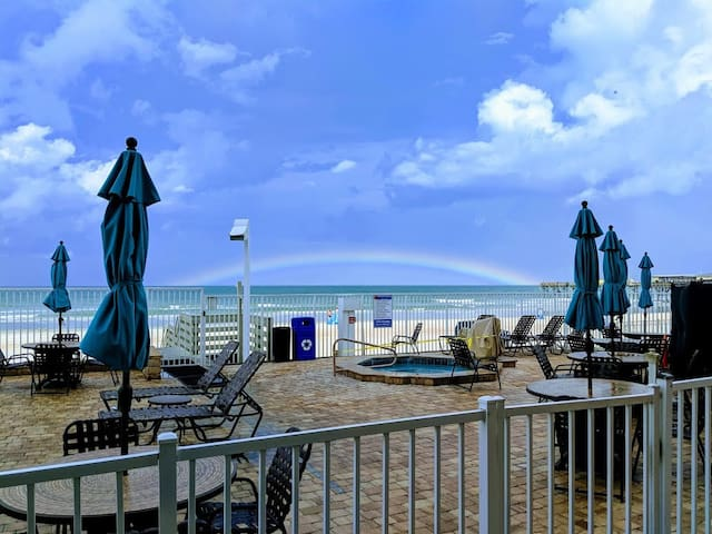 Beach Front Daytona Beach Condo w/ Pool & Hot Tub