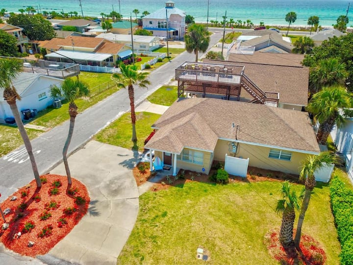 Sea-renity Beach House-On the Gulf of Mexico!