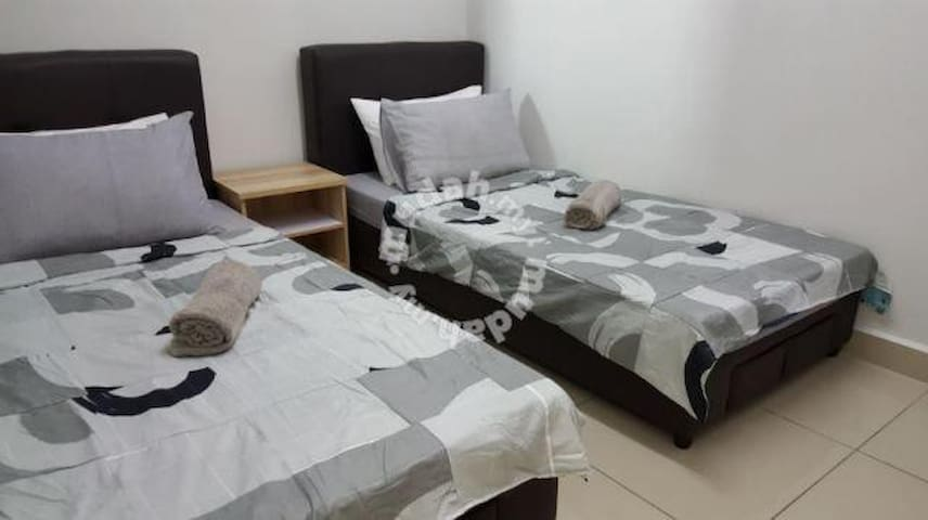 Cozy Twin single Bedrooms @ Ara Damansara