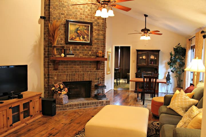 Comfy, Cozy, Safe, Affordable Home - Dallas Suburb
