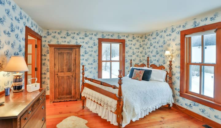 Spinning Suite- Round Barn Farm B & B
